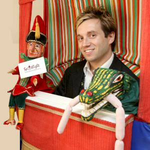 Punch and Judy for street festivals, town centres and shopping centres.