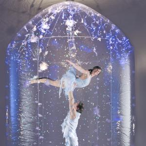 Ice Theme acrobalance show - Click for a demo video